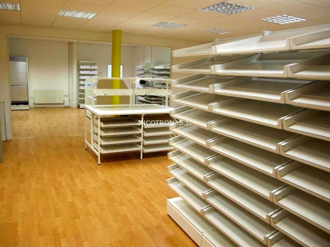 mobiliario farmacia estanterias